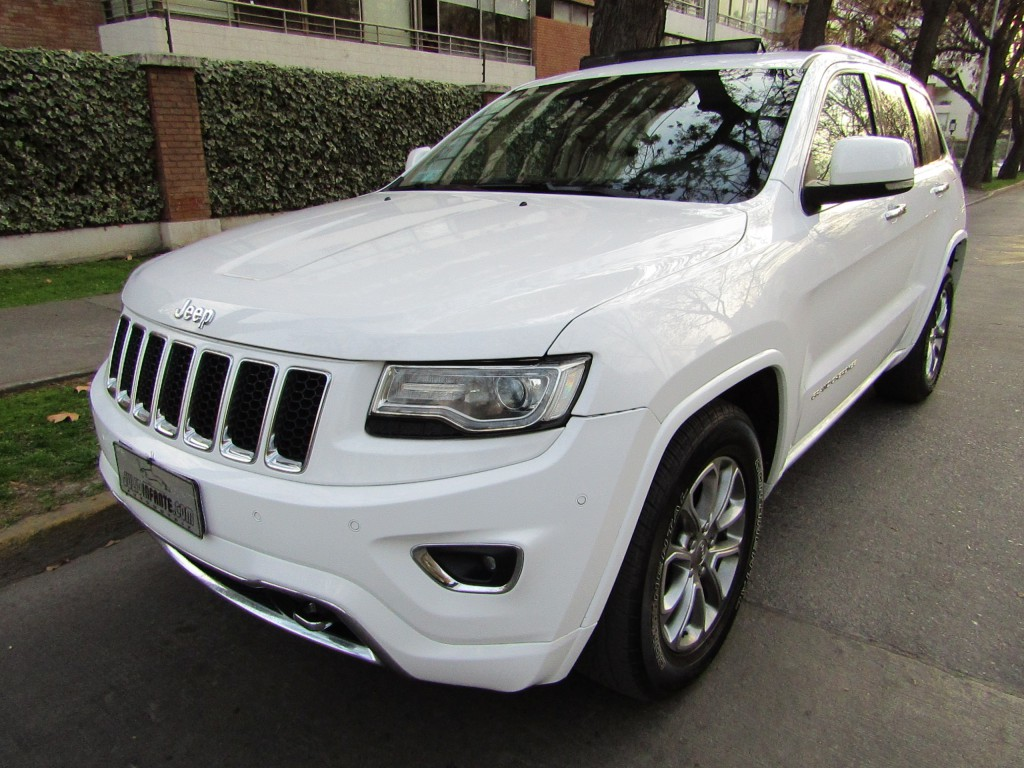 JEEP GRAND CHEROKEE Overland 5.7 Aut 8 veloc. Paddle 2014 Cuero, sunroof panoramico, mantencion al dia.  - JULIO INFANTE