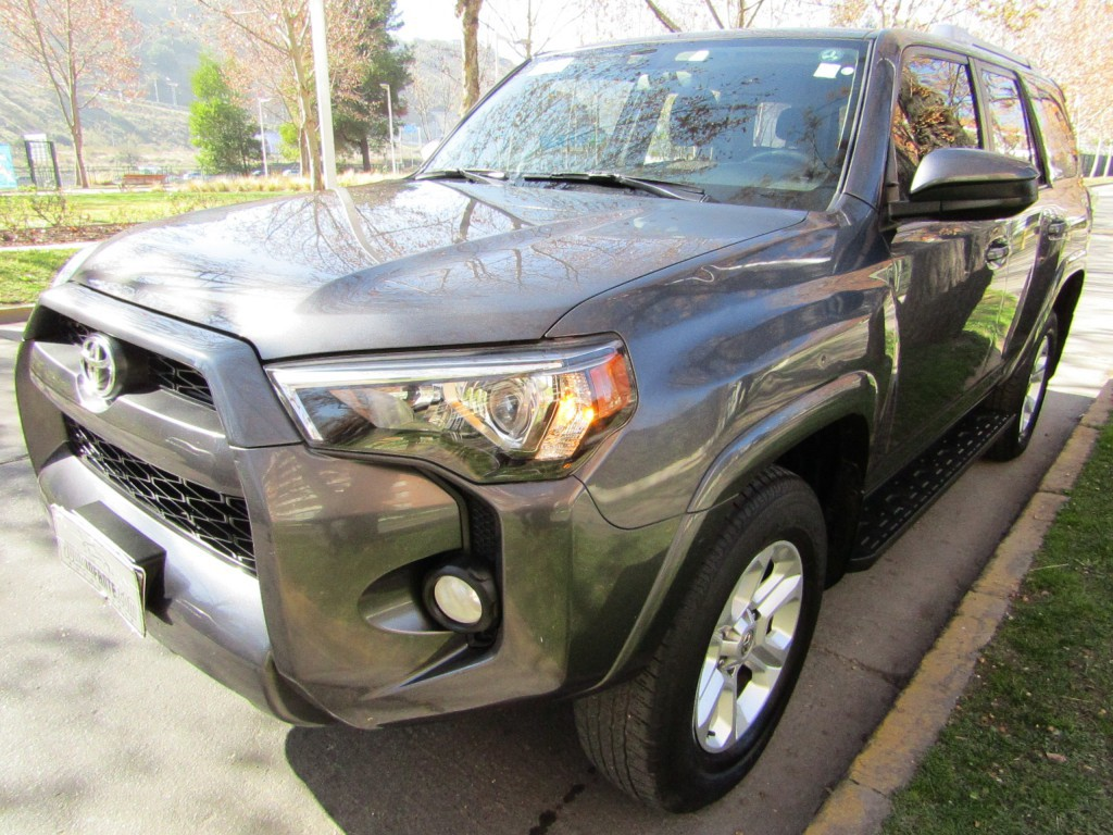 TOYOTA 4 RUNNER 4.0 RS 5 3 corridas Autom.  2015 1 dueño. 8 airbags. abs, crucero - JULIO INFANTE