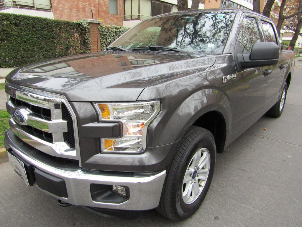 FORD F-150 XLT 3.5 D cab. 4X2 2017 aire airbags abs 43 mil km. 1 dueño, 2 llaves. COM - JULIO INFANTE