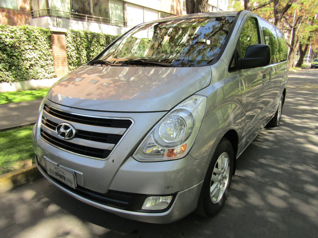 HYUNDAI H1 New 2.5 CRDI GLS AC 2017 9 pasajeros. aire, 2 airbags, ABS,  - JULIO INFANTE