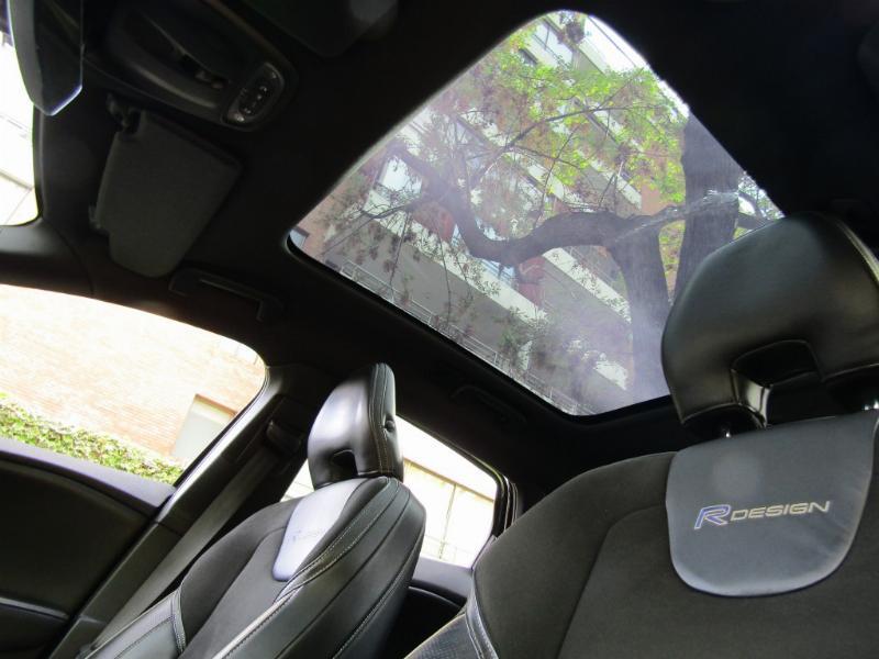 VOLVO V40 1.6 T4 R Design Polester 2014 Sunroof, cuero, cuero alcantara.  - JULIO INFANTE