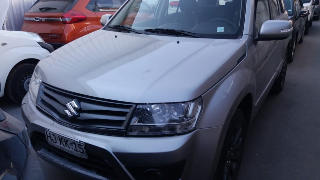 SUZUKI GRAND NOMADE GLX sport 2.4 4x4  2015  dueña. impecable. airbags climatizador.  - JULIO INFANTE