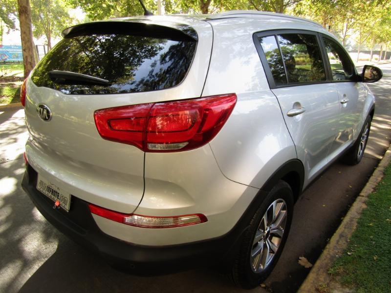 KIA SPORTAGE 2.0 LX 4WD Mec 6 veloc 2017 10 mil km. 1 dueño. airbags,  aire. Como Nuevo.   - JULIO INFANTE