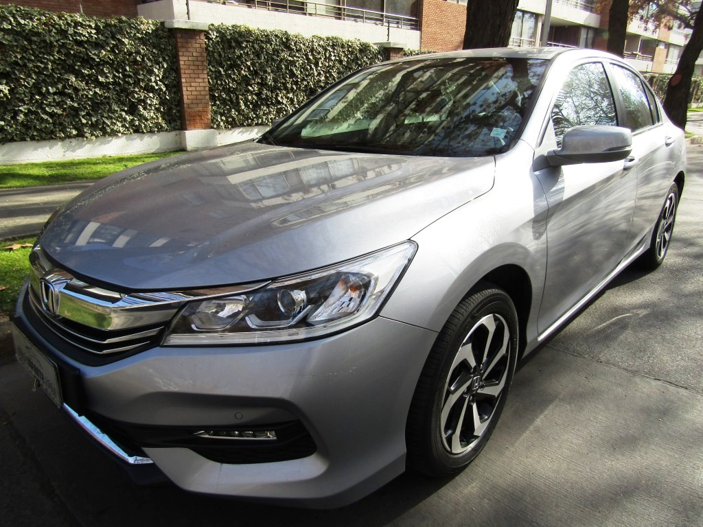 HONDA ACCORD EXL 2.4,  Camara pantalla 2016 Cuero, Sunroof, Mantenciones, Impecable.  - JULIO INFANTE