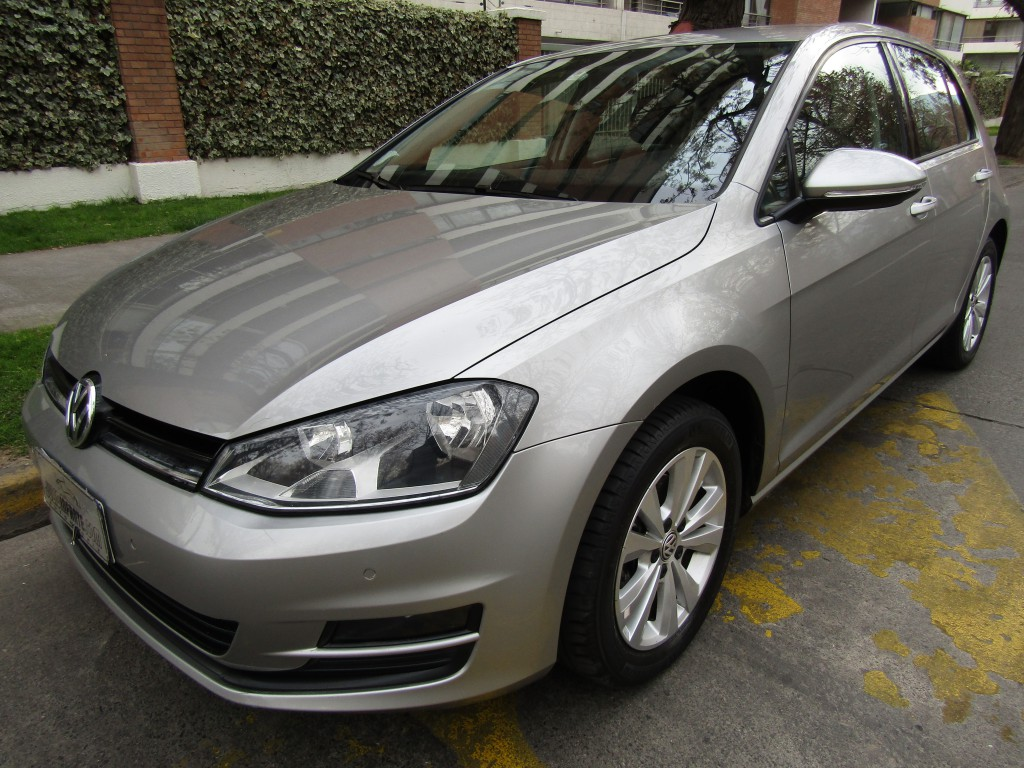 VOLKSWAGEN GOLF 1.6 HB. 5 ptas. mec   2015 airbags, abs, crucero. 2 dueños. IMPECABLE.  - JULIO INFANTE