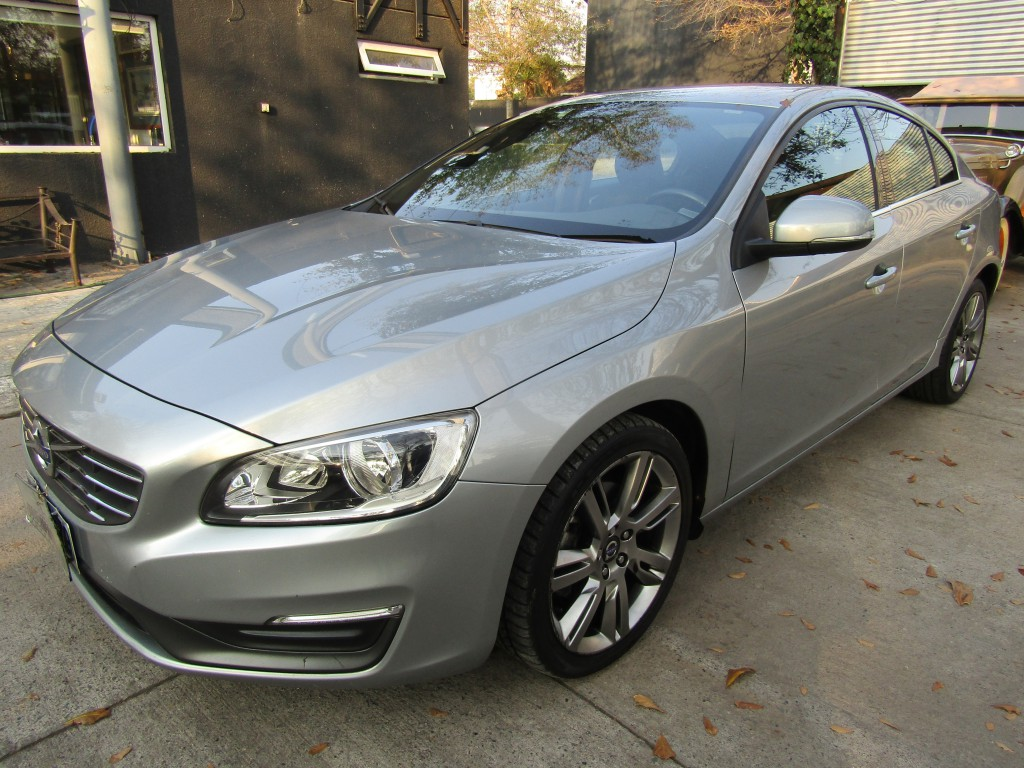 VOLVO S60 D2 Comfort DIESEL 2014 Autom tiptronic, 10 airbags abs. Muy lindo.  - JULIO INFANTE
