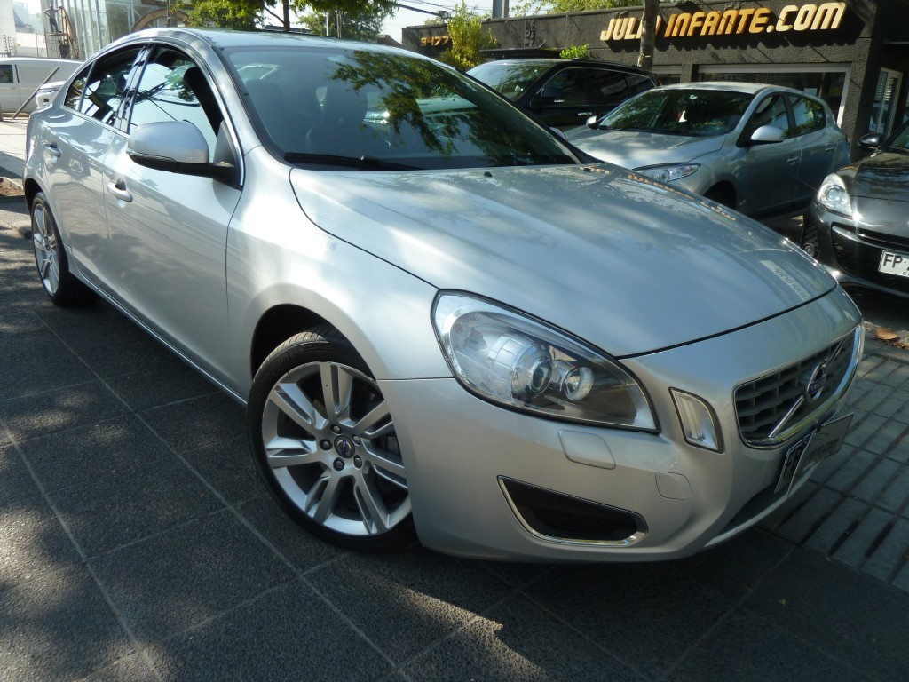 VOLVO S60 T6 3.0 Plus 2012 AWD 306 hp. Cuero, Sunroof - FULL MOTOR