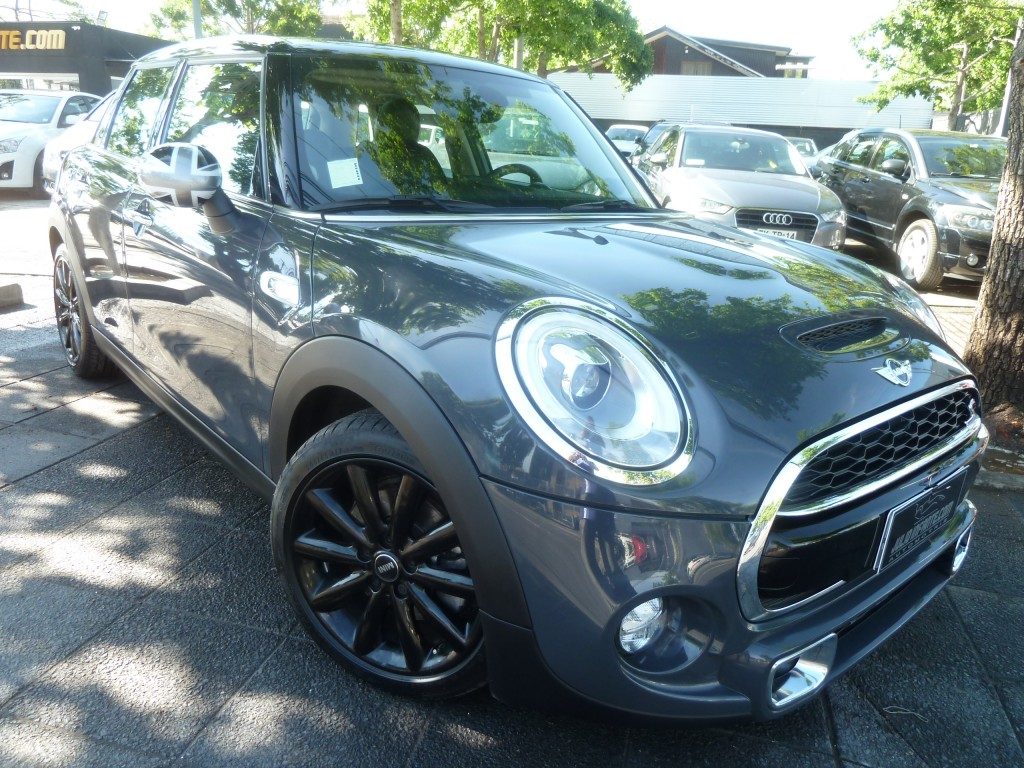 MINI COOPER S F55 2.0 Turbo, Chili 2016 JCW. 2 sunroof, AT, cuero. COMO NUEVO. 12 mil km. - FULL MOTOR