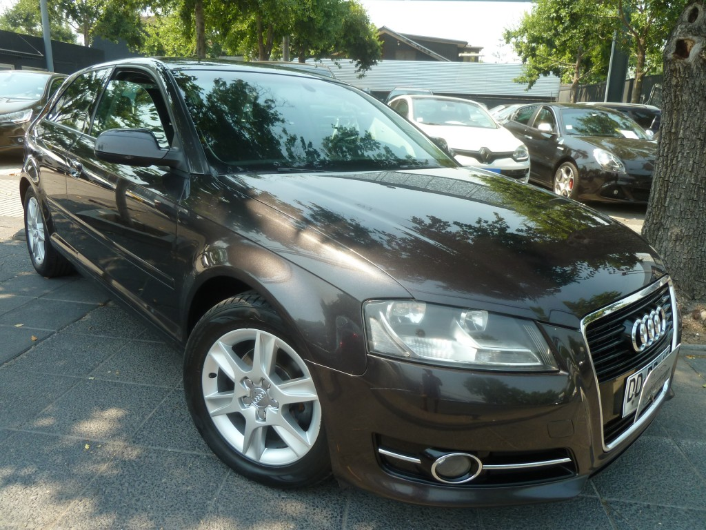 AUDI A3 1.2 Turbo 3 ptas. mec 2011 Mantencion al dia. IMPECABLE - FULL MOTOR