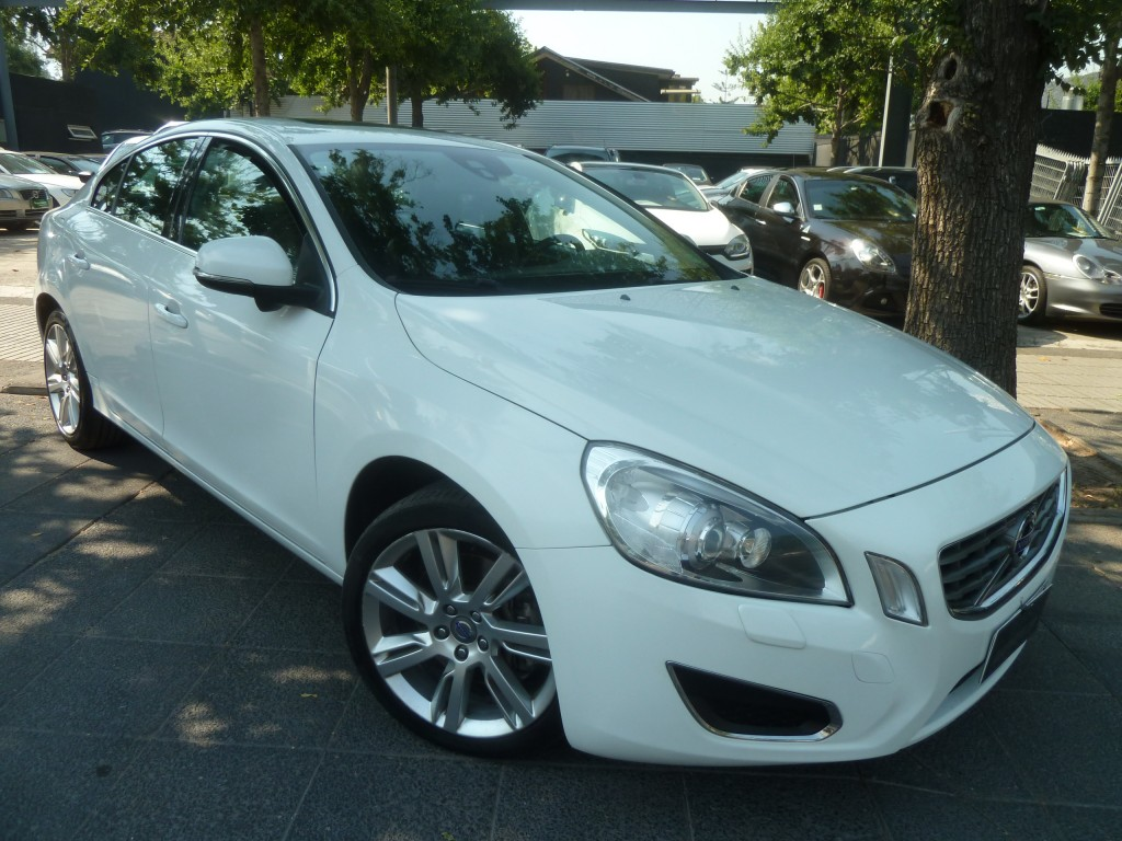 VOLVO S60 T6 3.0 Plus 2011 AWD 306 hp. Cuero, Sunroof - FULL MOTOR