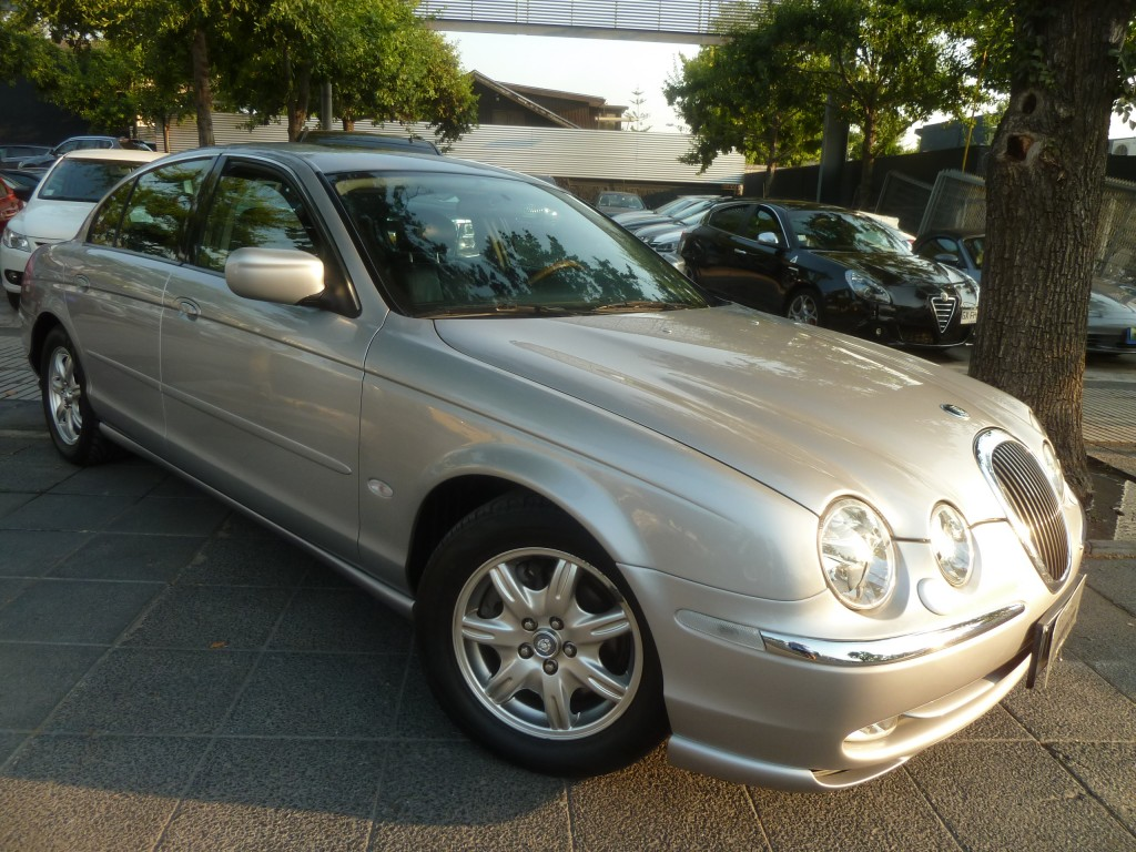 JAGUAR S-TYPE 3.0 AT Cuero sunroof 2000 mantencion en Ditec impecable - FULL MOTOR