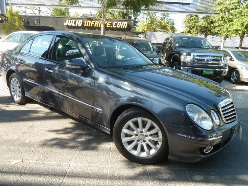 MERCEDES-BENZ E350 Cuero, Sunroof, Airbag 2008 Mantenciones. 2 dueños. Muy lindo, impecable.  - FULL MOTOR
