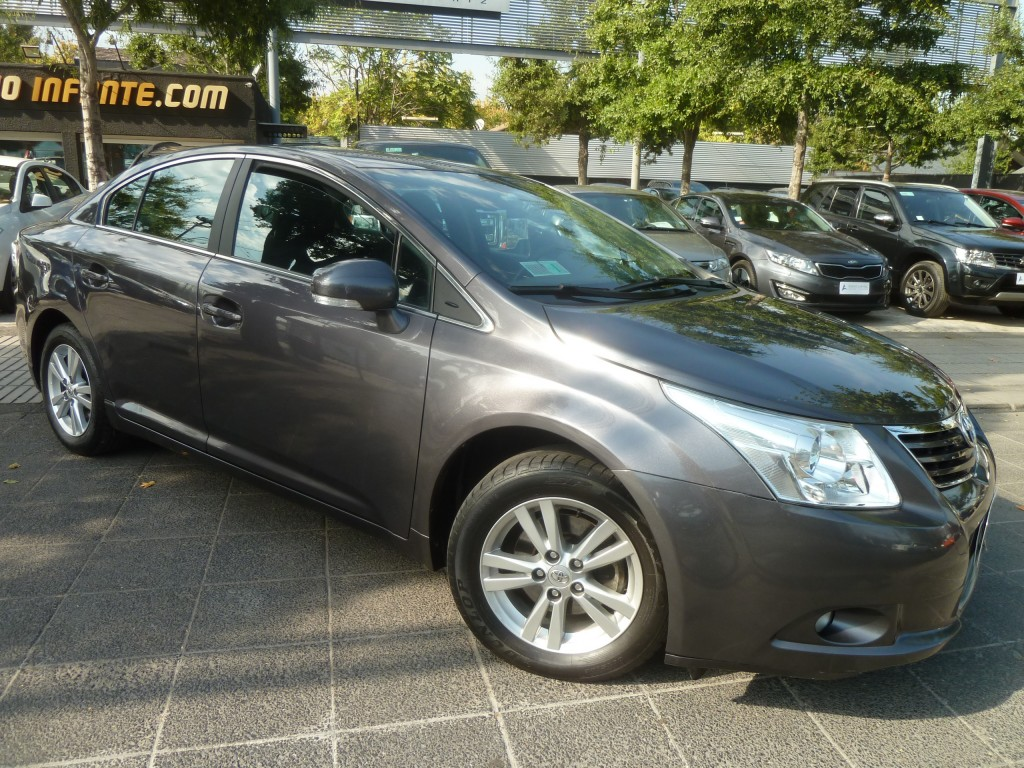 TOYOTA AVENSIS New 2.0 AT 2012 40 mil km. COMO NUEVO. IMPECABLE.  - FULL MOTOR