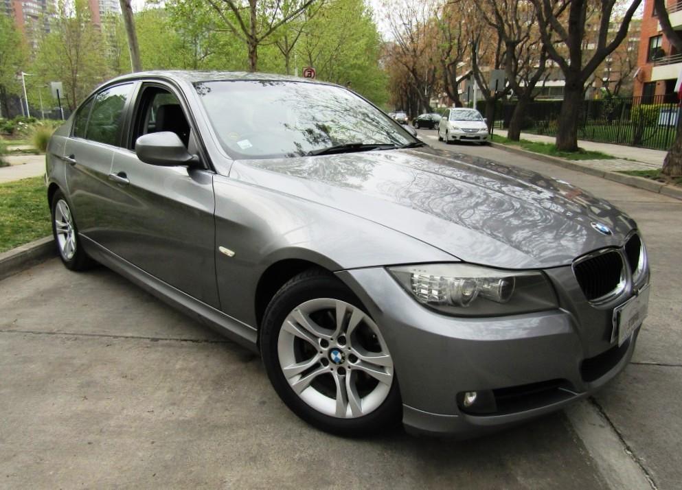 BMW 320IA cuero, sunroof, airbags, abs 2010 Mantencion al día. IMPECABLE.  - FULL MOTOR