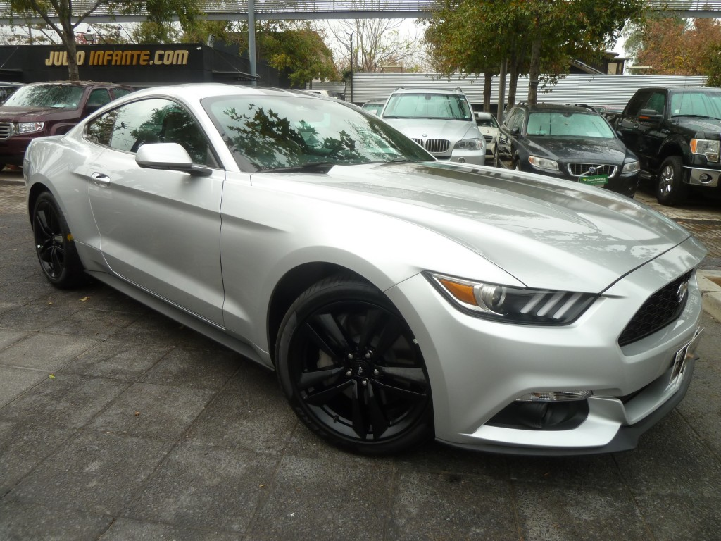 FORD MUSTANG 2.4 Turbo Eco Boost. 310 hp  2016 paddle shift, llantas 19 - FULL MOTOR