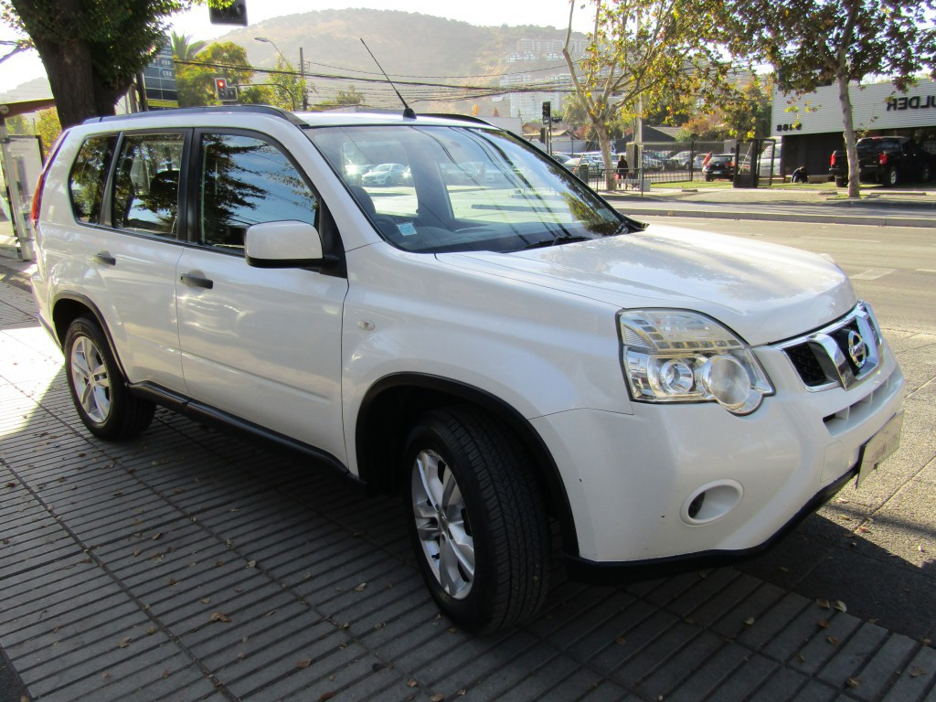 NISSAN X-TRAIL New X Trail 4x4 2.5 cc 2013 2 airbag, abs, aire. IMPECABLE.  - JULIO INFANTE
