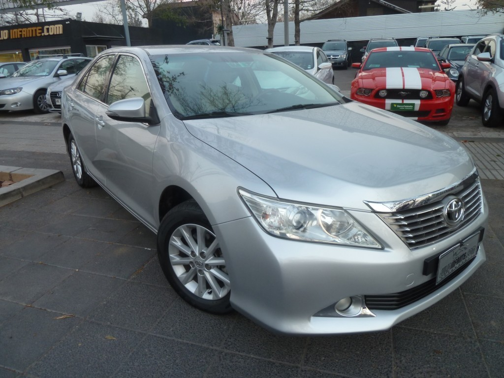 TOYOTA CAMRY XEI 2.4 AUT 2012 Autom. 8 airbag. MUY LINDO.  - FULL MOTOR