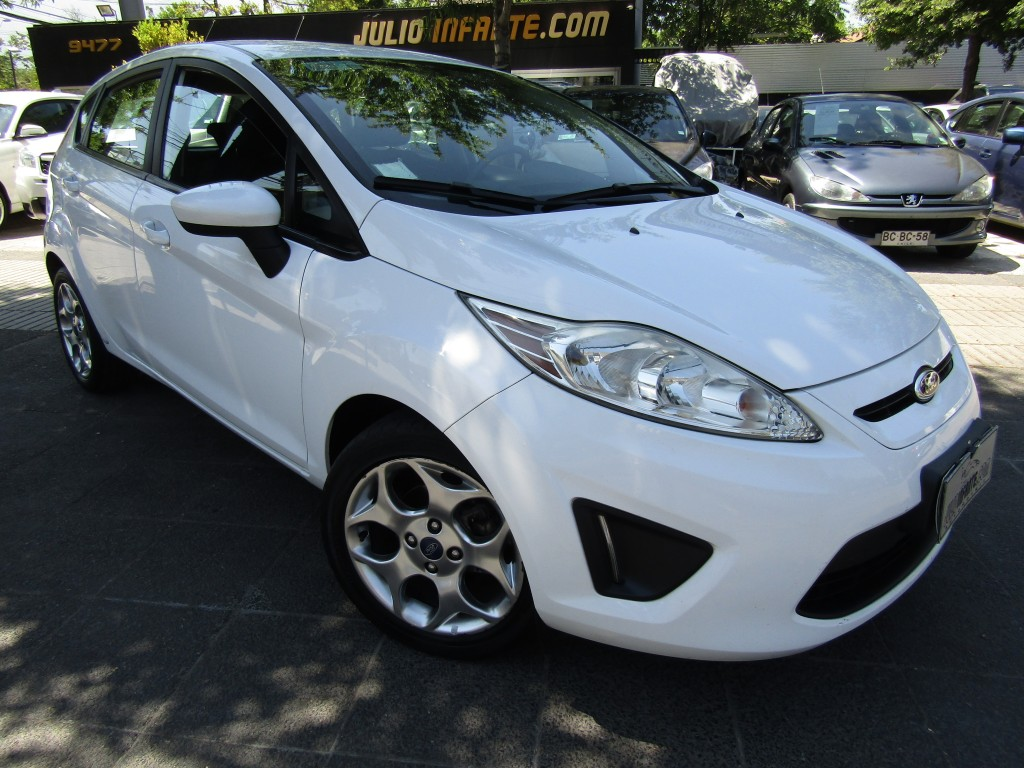 FORD FIESTA Hatchback SE 2013 Aire, airbags, abs, llantas, poco km. impecable  - FULL MOTOR