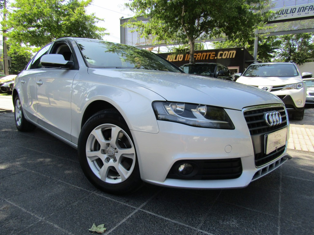 AUDI A4 1.8 Turbo 120 hp. Cuero  2010 2 dueños. impecable.  - FULL MOTOR
