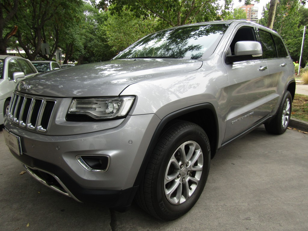 JEEP GRAND CHEROKEE Limited 4x4 3.6 2014 sunroof, poco kilometraje, camara de retroceso - FULL MOTOR