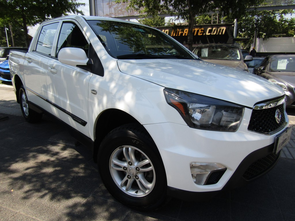 SSANGYONG ACTYON SPORT 4X4 2.0 mec 6 veloc. airbags abs crucero 2015 Neumáticos nuevos, IMPECABLE. mantenciones timbrad - FULL MOTOR