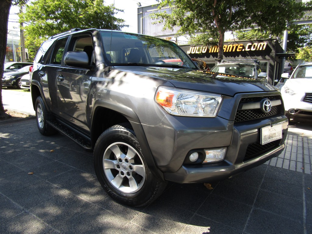 TOYOTA 4 RUNNER  SR5 4.0 4x2 AUT 2012 Aire, 8 airbags, abs, crucero, isofix.  - FULL MOTOR