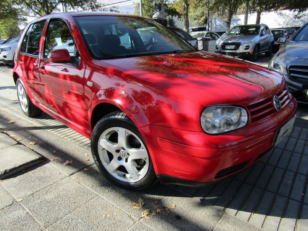 VOLKSWAGEN GOLF Highline 2.0 sunroof, llantas, aire,  2007 Neumaticos Nuevos, perfecto estado.  - FULL MOTOR
