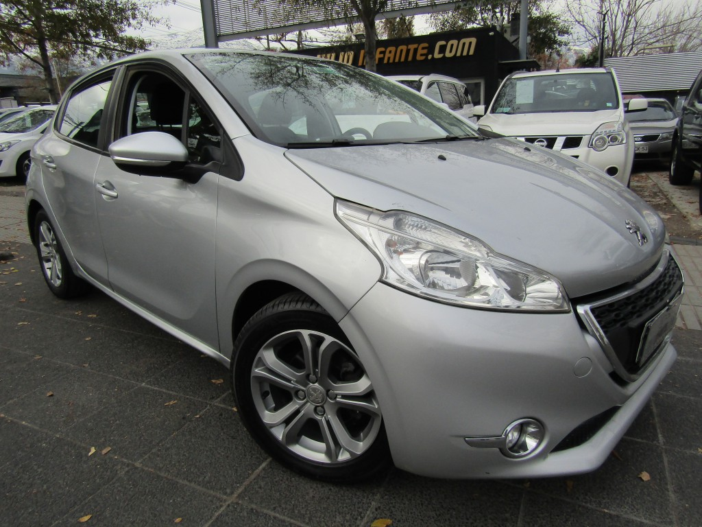 PEUGEOT 208 Active HDI 1.4 Diesel 2013 Diesel, Aire, airbags, ABS - JULIO INFANTE