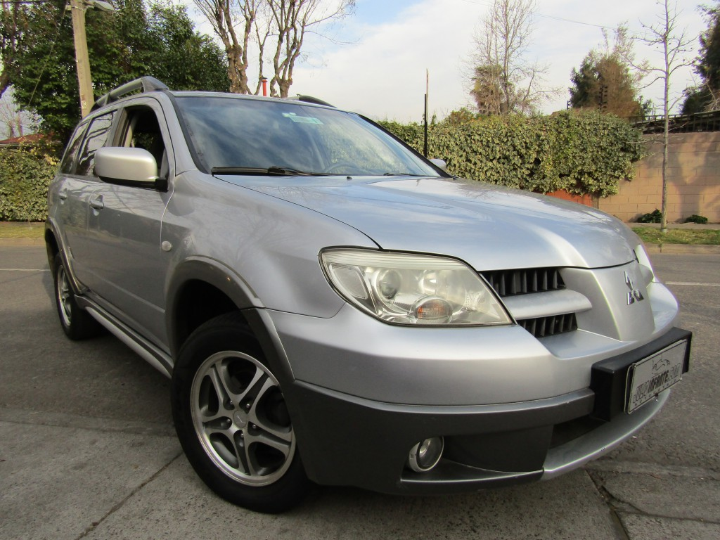MITSUBISHI OUTLANDER 2.4 GLS 4x2 autom tiptronic 2008 aire, airbags, abs, crucero. 2 dueños.  - JULIO INFANTE