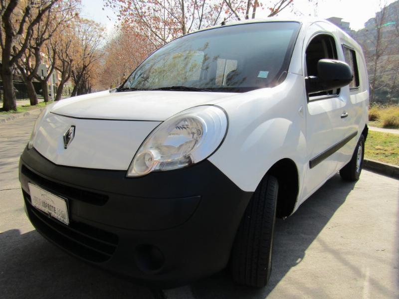RENAULT KANGOO Fase II 1.5 furgon diesel  2013 Diesel, mecánico, airbags, Buenos neumáticos.  - JULIO INFANTE