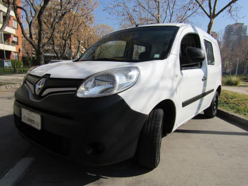 RENAULT KANGOO Fase II 1.5 furgon diesel  2014 buenos neumaticos, buen estado.  - FULL MOTOR