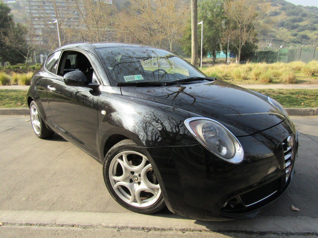 ALFA ROMEO MITO TCT 1.4 Turbo Distinctive Aut 2015 Sunroof, 6 airbag, cuero llantas 17 paddle shift - FULL MOTOR