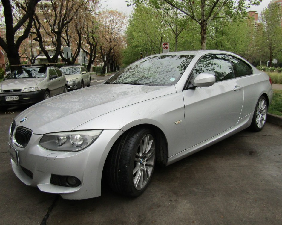 BMW 335 3.0 Bi turbo Coupe. 2013 alcantara, sunroof, pantalla entretenimiento. - JULIO INFANTE