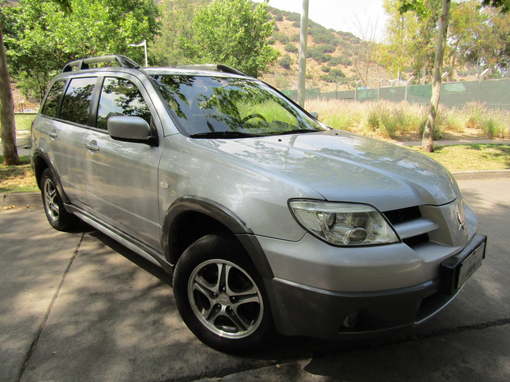 MITSUBISHI OUTLANDER 2.4 GLS 4x2 autom tiptronic 2006 aire, airbags, abs, crucero - JULIO INFANTE