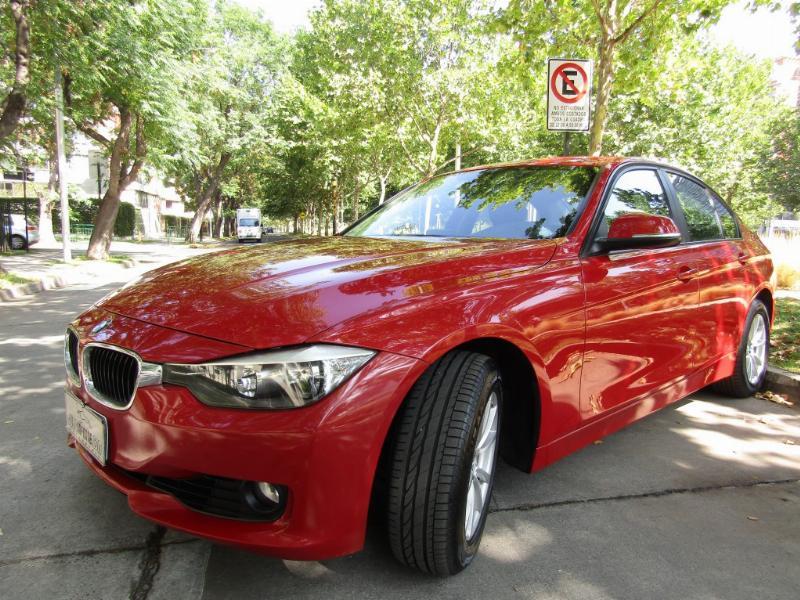 BMW 320IA 2.0 Cuero, abs. Neumaticos nuevos 2013 Mantención al día. IMPECABLE - JULIO INFANTE