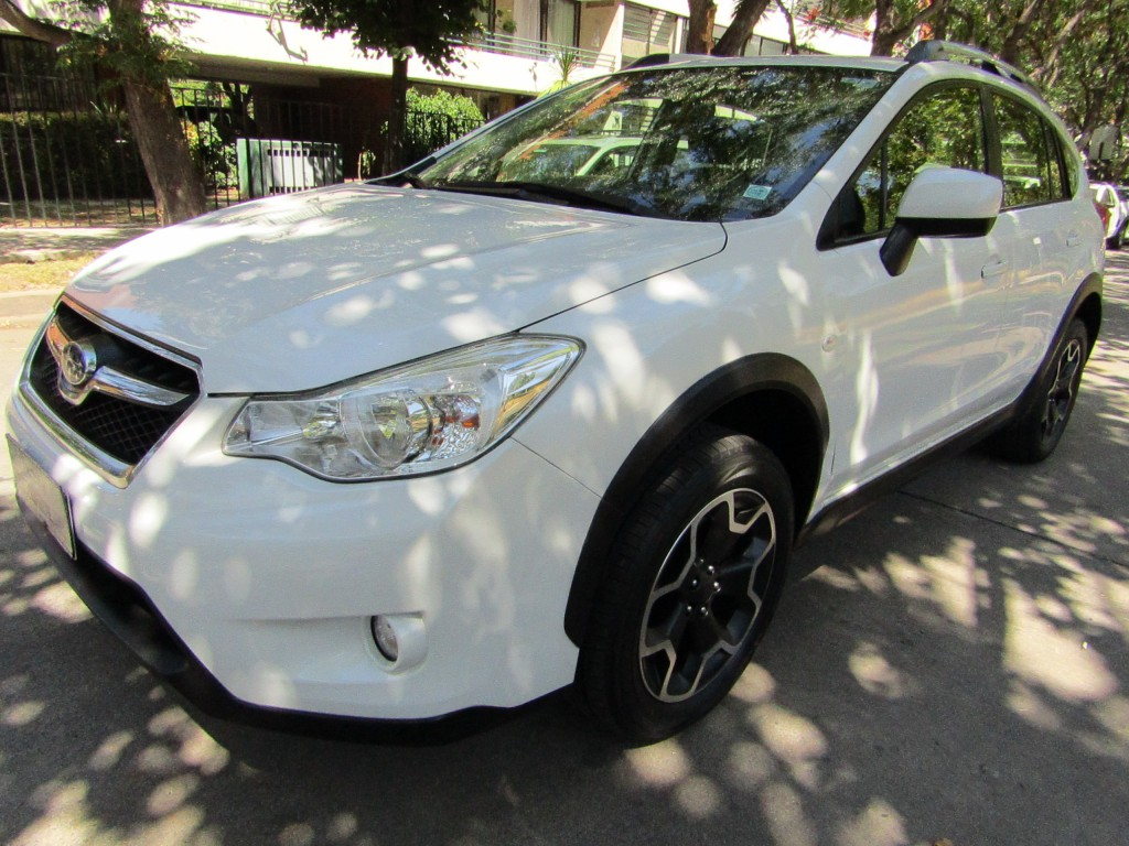 SUBARU XV AWD CVT 2.0I 1 dueño.  2014 Paddle shift, 8 airbags, mantncion hasta los 75 mi - FULL MOTOR