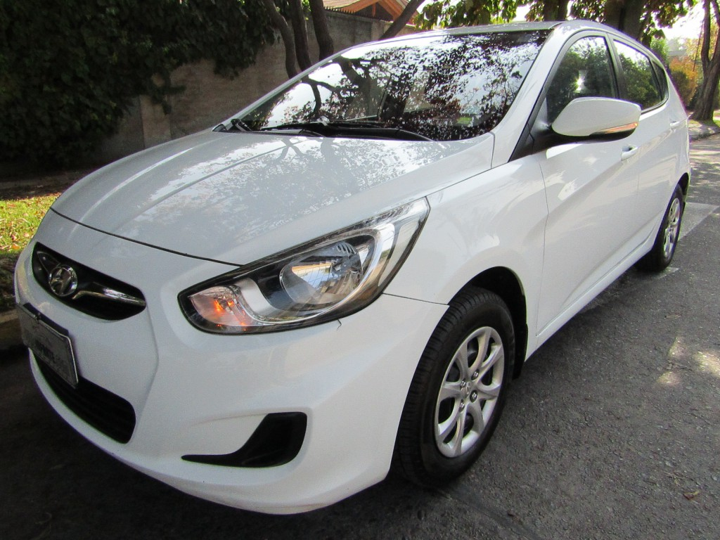 HYUNDAI ACCENT RB HB GLS 1.4 aire 2014 airbags abs, impecable. 2da dueña.  - JULIO INFANTE
