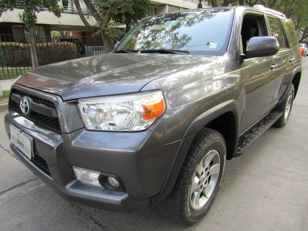 TOYOTA 4 RUNNER  SR5 4.0 4x2 Autom 2013 3 corridas, aire, airbags, abs, crucero. - FULL MOTOR