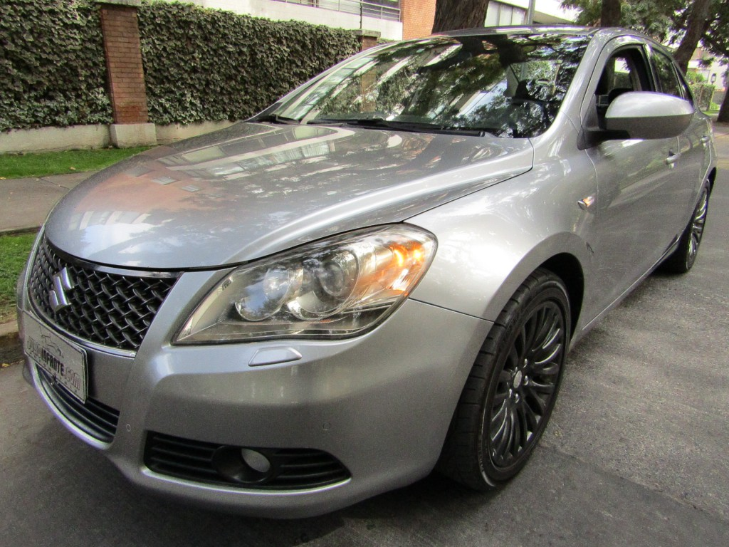 SUZUKI KIZASHI 2.4 GLX Limited Aut. 2012 paddle shift, cuero, 6 airbags, sunroof  - JULIO INFANTE