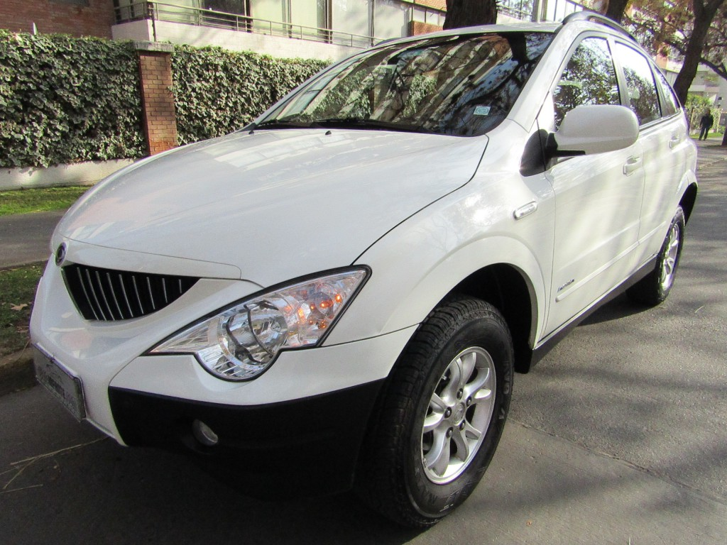 SSANGYONG ACTYON 2.3 Autom. aire airbags abs 2011 4x2 2 dueños, abuela de 76 añitos.  - JULIO INFANTE