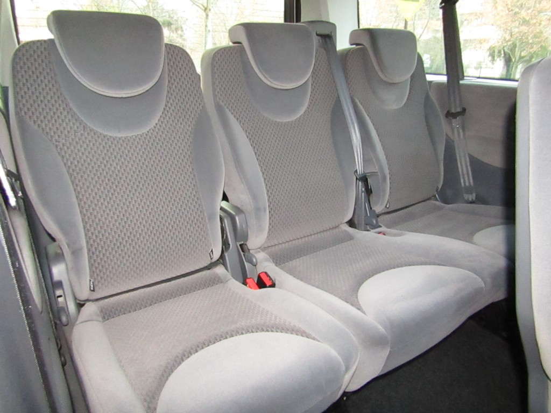PEUGEOT EXPERT 2.0 HDI 163 HP DIESEL  2015 9 pasajeros. aire, 2 airbags, ABS, Navegador - JULIO INFANTE