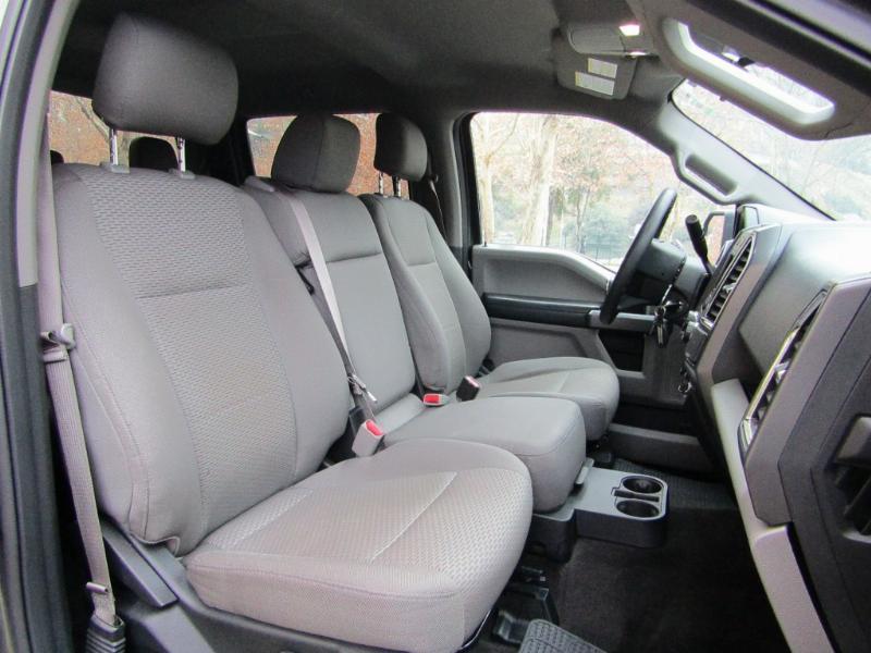 FORD F-150 XLT 3.5 D cab. 4X2 2017 aire airbags abs 43 mil km. 1 dueño, 2 llaves. COM - JULIO INFANTE