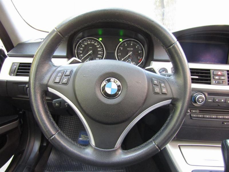 BMW 330 Cuero Sunroof Paddle shift 2012 Kylees go. 53 mil km. Mantenciones. Impecable  - JULIO INFANTE