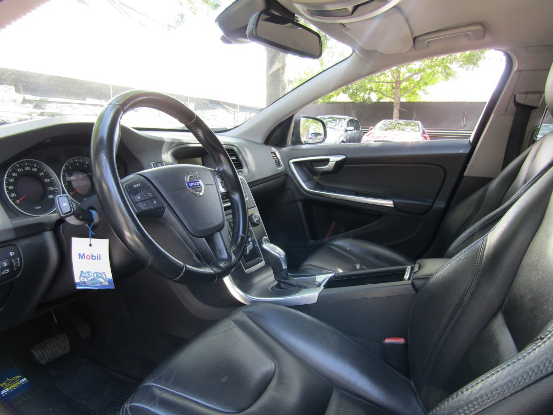 VOLVO S60 T4 Comfort 2013 Tiptronic, cuero, mantenciones Ditec. 1 dueña.  - JULIO INFANTE