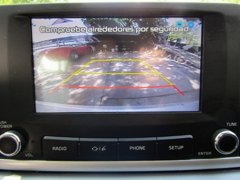 KIA RIO 4 LX sedan  2019 aire, cámara, pantalla 27 mil km. como nuevo - JULIO INFANTE