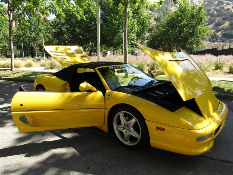 FERRARI 355 SPIDER 355 Spider mec 6 veloc 1999 Cuero, capota manual, IMPECABLE.  - FULL MOTOR
