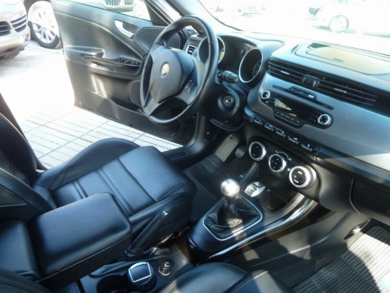 ALFA ROMEO GIULIETTA Distintive 1.4 2013 Cuero, 6 airbag abs, llantas 18 - FULL MOTOR