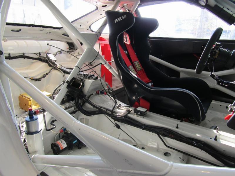 PORSCHE GT3 Cup 3.8 de competicion 2011 MKII 450 hp. Paddle shift 6 veloc.  - JULIO INFANTE
