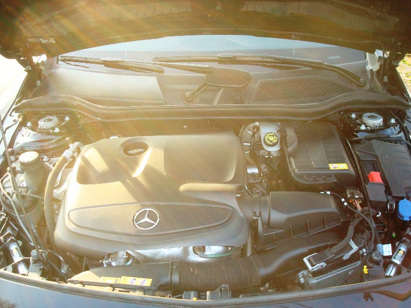 MERCEDES-BENZ A - 180 URBAN 2015 SOLO 26.000 KMS - FULL MOTOR