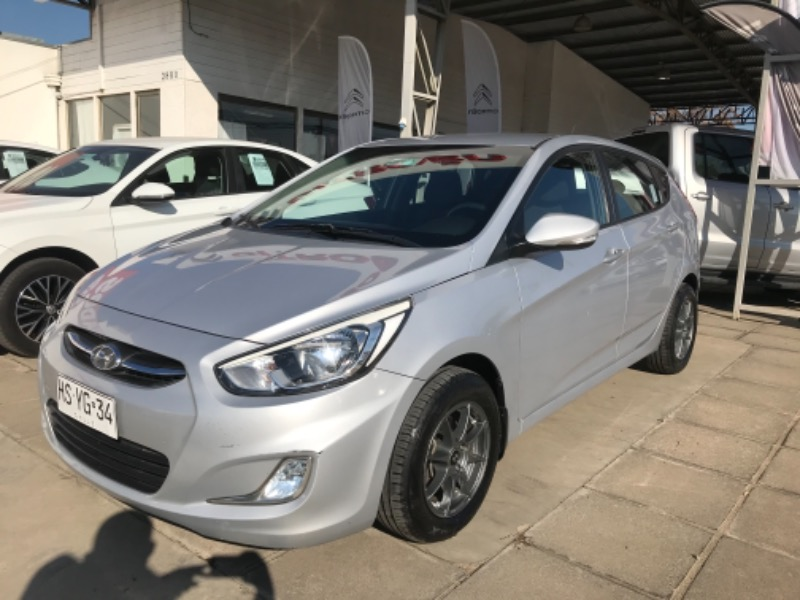 HYUNDAI ACCENT VERSION FULL EQUIPO 2016 MOTOR 1.4 - CIRCULO